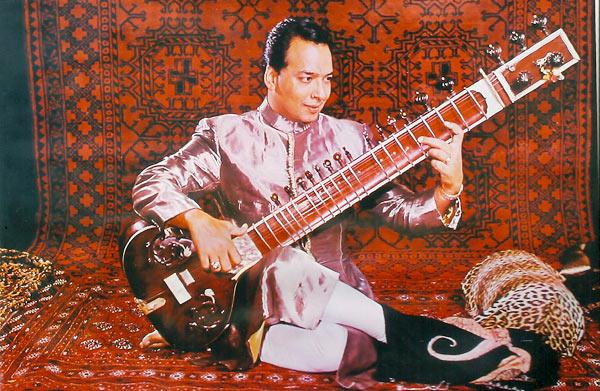 http://dungarpurmusic.com/pic/ustad-vilayat-khan.jpg